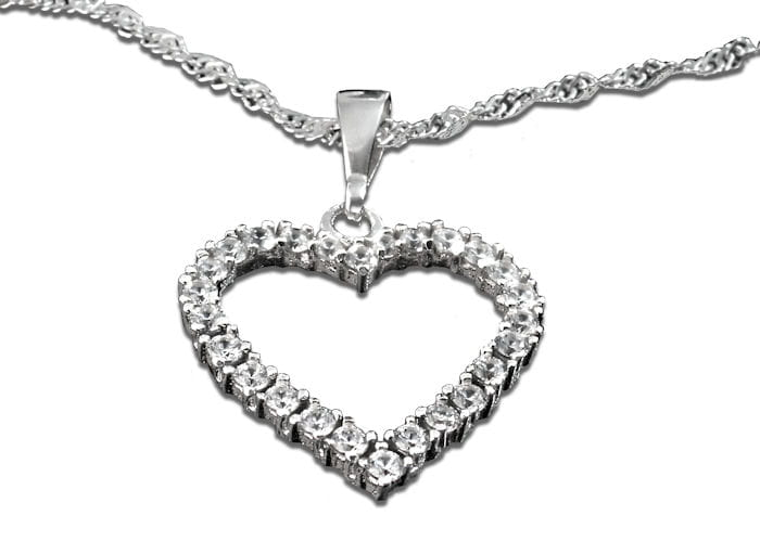 Srebrne serce z cyrkonii na łańcuszku