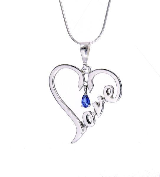 Srebrny wisiorek serce LOVE z szafirową cyrkonią na łańcuszku
